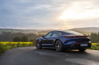 Taycan Turbo and Turbo S Media Drive, Europe